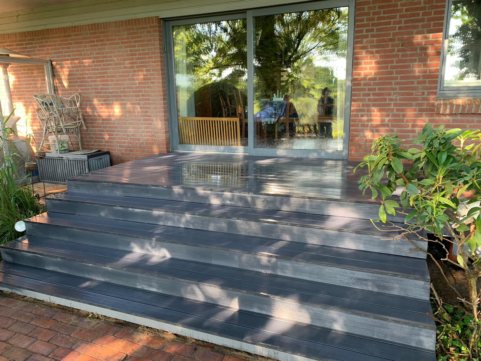 Terrasse mit Treppe   Zimmerei Zeller